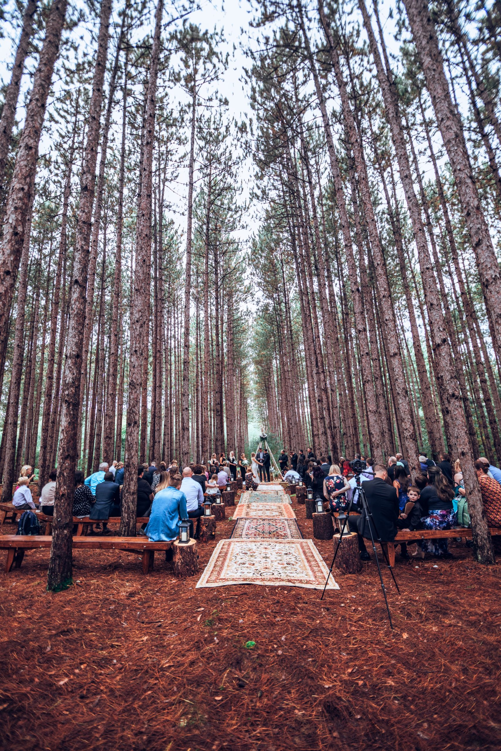 how to set your wedding apart